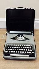 Vintage REMINGTON ENVOY Portable Manual Typewriter IN CASE, Used