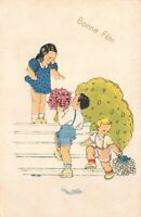 CPA Fantaisie - BONNE FÊTE - Petit garçon offrant des fleurs à une fillette
