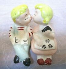 VINTAGE CERAMIC KISSING BOY & GIRL SALT & PEPPER SHAKER SITTING POSITION JAPAN