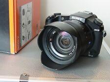 Sony Cyber-shot DSC-RX10 20.2 MP Digitalkamera mit Zeiss 2,8/24-200mm mit  OVP