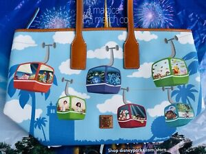 2021 Disney Parks Dooney & Bourke Skyliner Tote Bag Purse New Mansion Pooh