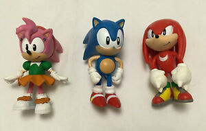 Lot of 3 Sega Jazwares Sonic The Hedgehog Figures - Sonic, Knuckles, Amy