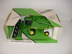 1/28 John Deere 9500 Collector Edition Combine W/Both Heads by ERTL NIB!
