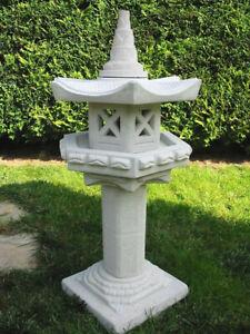 Japanische Steinlaterne --Vogelhaus auf Säule -- Frost u. Wetterfest Steinguss
