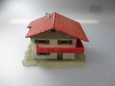 Spur N: Haus mit Balkon (Holz2)