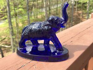 BEAUTIFUL MOSSER GLASS BIMBAH ELEPHANT WITH TRUNK UP COBALT BLUE  1981 MINTY 🔥