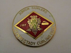 VINTAGE SCHENECTADY NEW YORK CURLING CLUB SPORTS CURLING PIN > JUNIOR CURLERS <