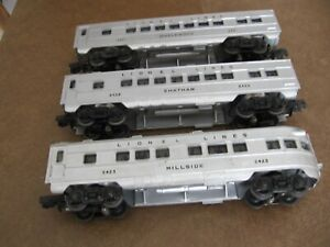 LIONEL 3 PC PASSENGER CAR SET with black lettering POST WAR