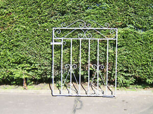 Single iron gate 3 ft tall to fit a opening of 3 ft 3 ins fully galvanized  R/H