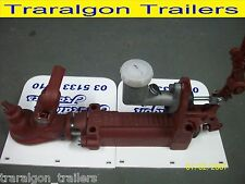 override trigg hydraulic trailer coupling hitch 2000kg rated 50mm 4 hole A7