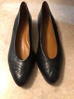 Women's Connie Flats Black Size 7 2A Narrow