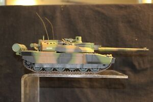 FRENCH LECLERC MAIN BATTLE TANK 1/35 SCALE ASSEMBLED AND PAINTED MODEL