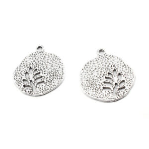 10X Tibetan Silver Hammered Hollow Out Leaf Charms Pendants For Jewelry Making