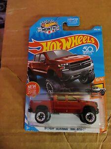 Hot Wheels HW Hot Trucks 19 Chevy Silverado Trail Boss LT