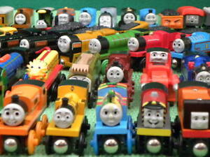 CLEARANCE THOMAS & FRIENDS WOODEN RAILWAY individual TRAINS for BRIO engine set