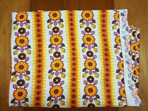 Bright vintage retro floral print fabric 60s 70s Mint condition