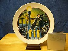 """Avon Images Of Hollywood Porcelain Plate - """"Singin' In The Rain"""" w/stand - 1986"""