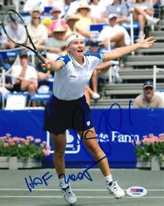 JANA NOVOTNA SIGNED AUTOGRAPHED 8x10 PHOTO + HOF 2005 VERY RARE PSA/DNA