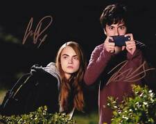 Paper Towns In-person AUTHENTIC Autographed Cast Photo COA SHA #40941