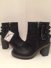 White Mountain JoJo Black Chunky Heel Ankle Boots Size 7M