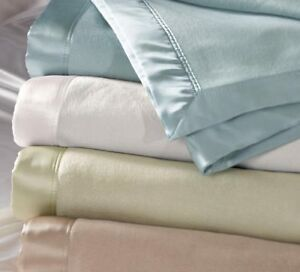 Bloomingdale Silk Blanket (5 color - White, Blue, Taupe, Gray, Ivory)