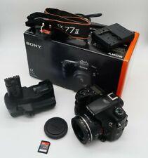 USATO Sony A77ii macchina fotografica con Alpha 50mm F1.8 Lens & Battery grip. 64GB SCHEDA MEM.
