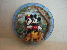 Bradford Exchange Friendship Makes You Warm All Over Mickey & Minnie 3D Plate
