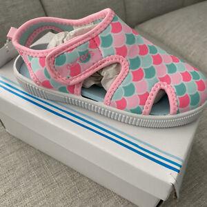 Girls Carters Washable Sandals Shoes. size 11. NIB