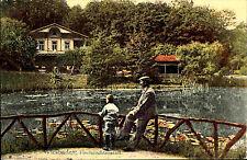 1911 tampon CARTE POSTALE Wiesbaden Pisciculture Institut Hesse Homme M. Petite Garçons