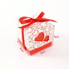 Centritavola e decorazioni rosse in carta per il matrimonio