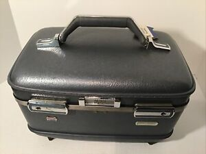 Vintage American Tourister Tiara train case 1960's vintage With Mirror And Tray