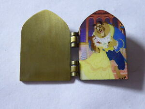 Disney Trading Pins Beauty and the Beast Door Hinged