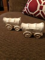 """Vintage Souvenir """"Stagecoach"""" Salt and Pepper Shakers - Roy Rogers Museum"""