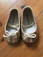 CR baby shoes (3-6m) Size 18 Baby Girl Glitter Gold Hard Soles