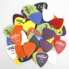 100Pcs Acoustic Electric Guitar Bass Picks Plectrums Mixed 0.58 / 0.71 / 0.81 mm