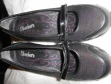 Skechers Womens Black with Blue Red Color in the Thred Shoes Size 8.5