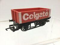 Hornby R004 OO Gauge 5 Plank Open Wagon 'Colgate'