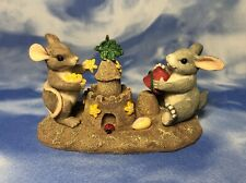 """Charming Tails """"Building Castles"""" Bunny & Mouse at the Beach Figurine 83/802 Euc"""