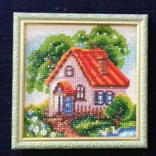 Haus im Sommer, fertiges Bild mit Rahmen, 18x18, Strass, handmade