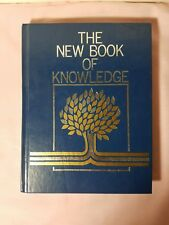 The New Book of Knowledge Annual 1983 (Hardcover)