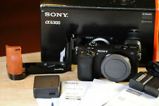 Sony a6300 Body+ SmallRig L BRACKET+ 2 batteries AS NEW SHUTTER 1.4K! BOXED