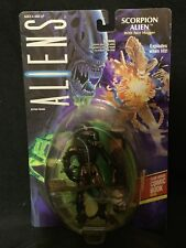 1992 Aliens Scorpion Alien with Face Hugger and Dark Horse Comic
