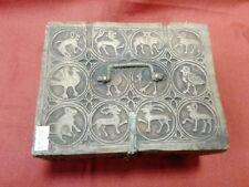 Particolare scatola in ceramica primi '900 cm 10x19x15 Antikidea