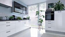 Küche, Schränke, Küchenzeile erweiterbar Weiss Glanz lackiert schwarze Vitrinen