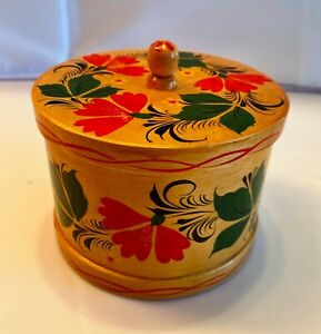 Russian Hand Painted Lacquer Wooden Round Wood Box Floral Hand Painted Flowers