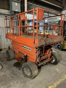 HunterLift Scissor lift Model 2860 with Charger