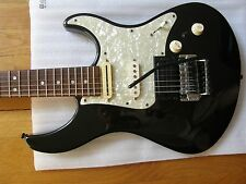 Yamaha 921 Strat style near top of line Pacifica, locking Floyd, coil split