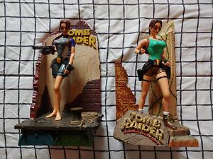 Tomb Raider Lara Croft Jungle & Wet Suit Figure Lot of 2 - Playmates 1999