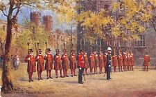 POSTCARD  MILITARY   Beefeaters   Tower  of  London