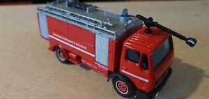 Solido pompier 1/50 , Mercedes LP217 , grande puissance mousse
